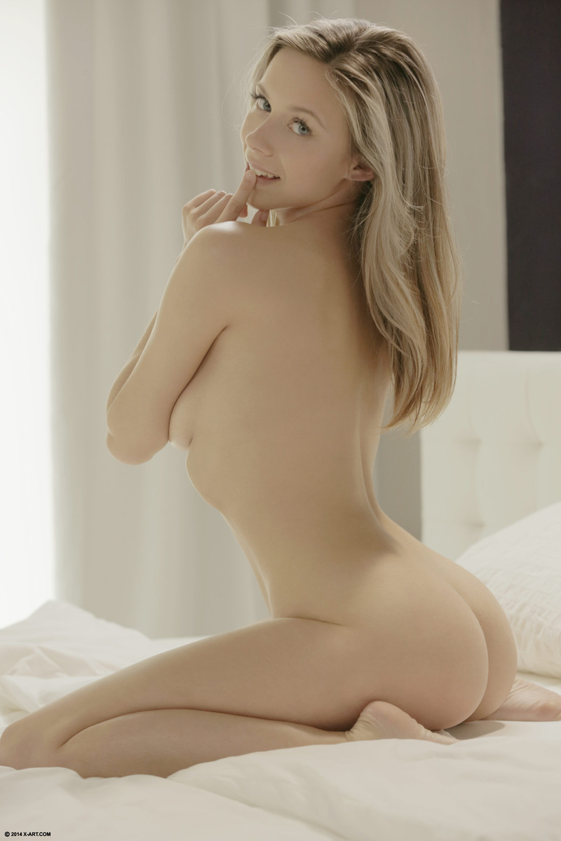 Naked alexander ludwig nude photo