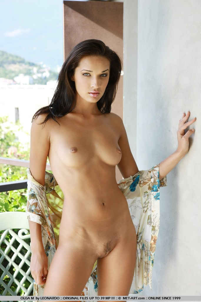 Naked girl blue eyes #10
