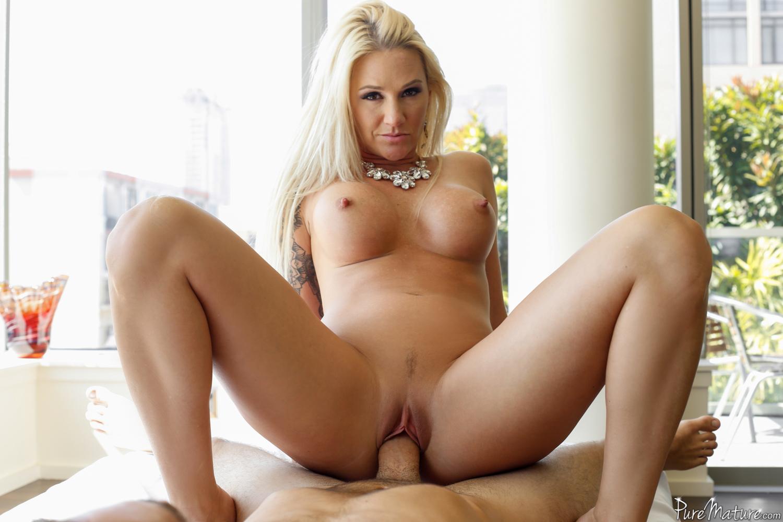 Busty blonde milf nude